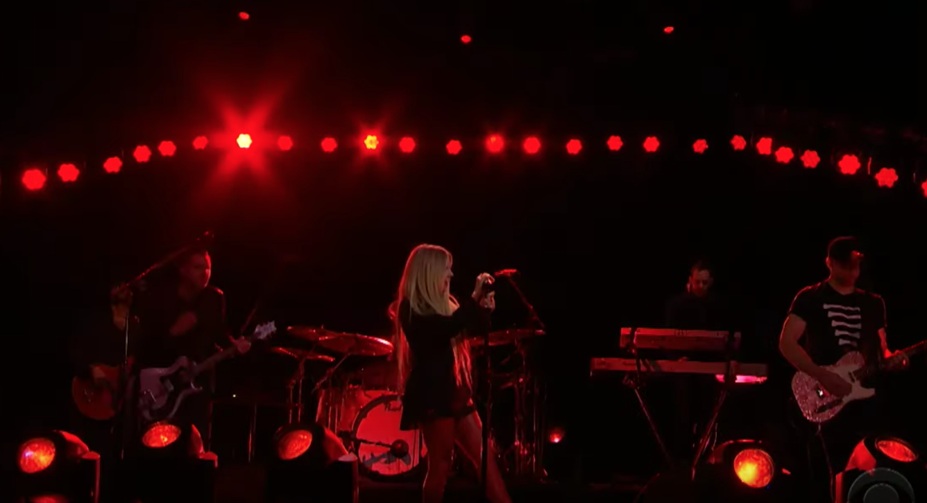 Watch Avril Lavigne Perform I Fell In Love With The Devil