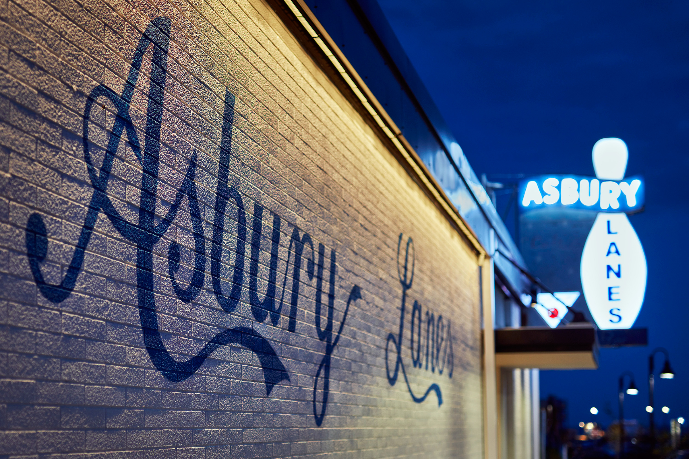 Asbury Lanes Opens for Summer With Snail Mail, Meat Puppets