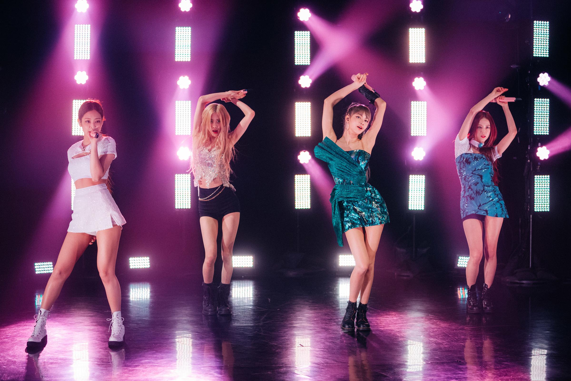 K-Pop Sensations Blackpink Perform 'Kill This Love' on