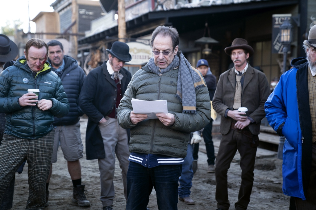In a daily ritual, creator Milch reads prepared remarks to the cast on set.