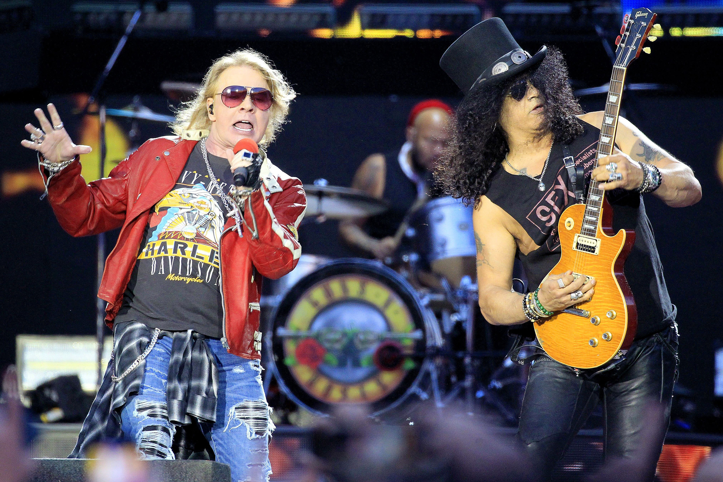 guns n roses join lineup for 2019 louder than life festival rolling stone. Black Bedroom Furniture Sets. Home Design Ideas