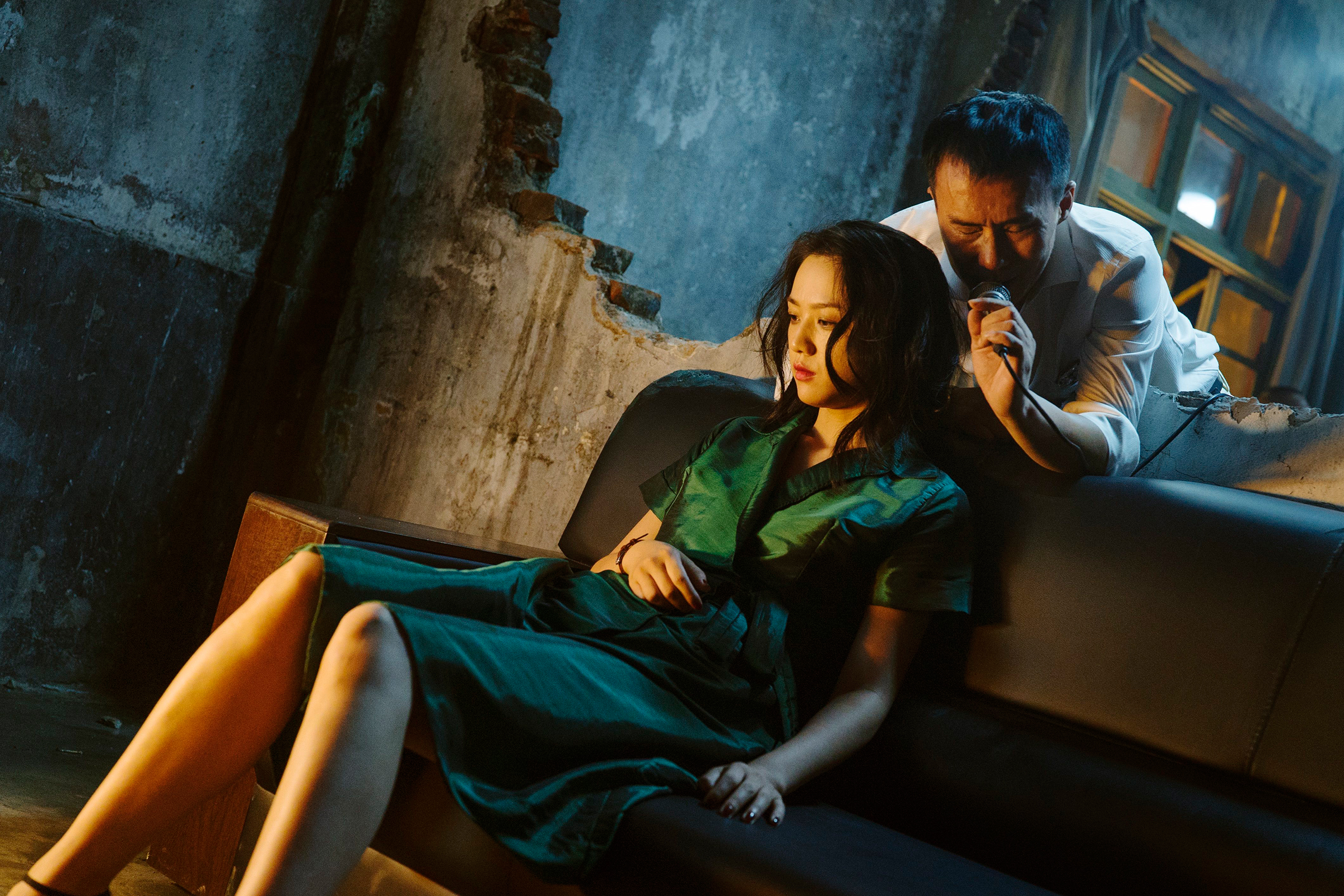 'Long Day's Journey Into Night': Sex, Violence and the 3D Shot of the Century
