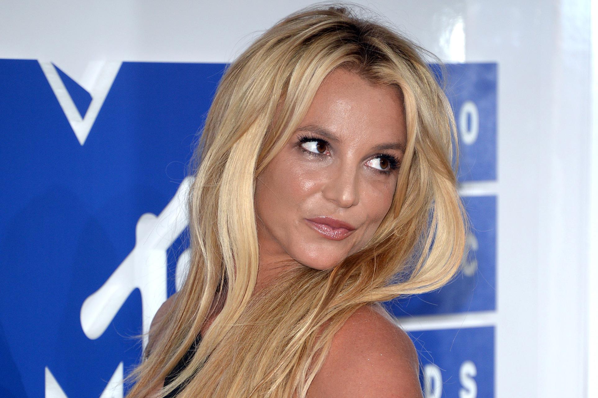 #FreeBritney: Understanding the Fan-led Britney Spears Movement