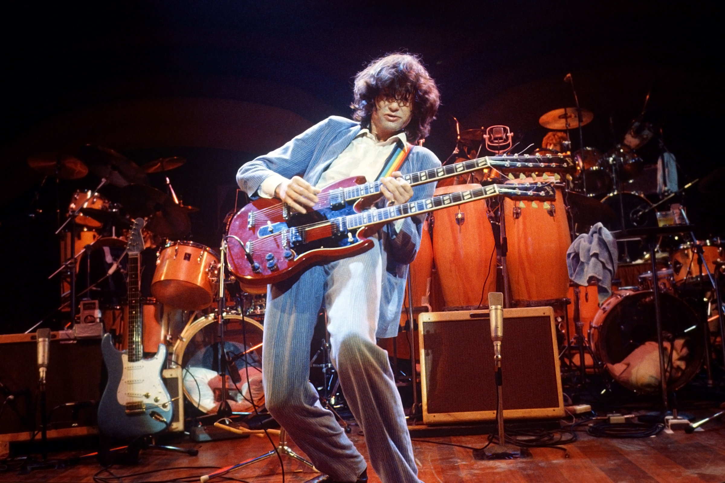 Jimmy Page Plays Instrumental 'Stairway To Heaven' In 1983