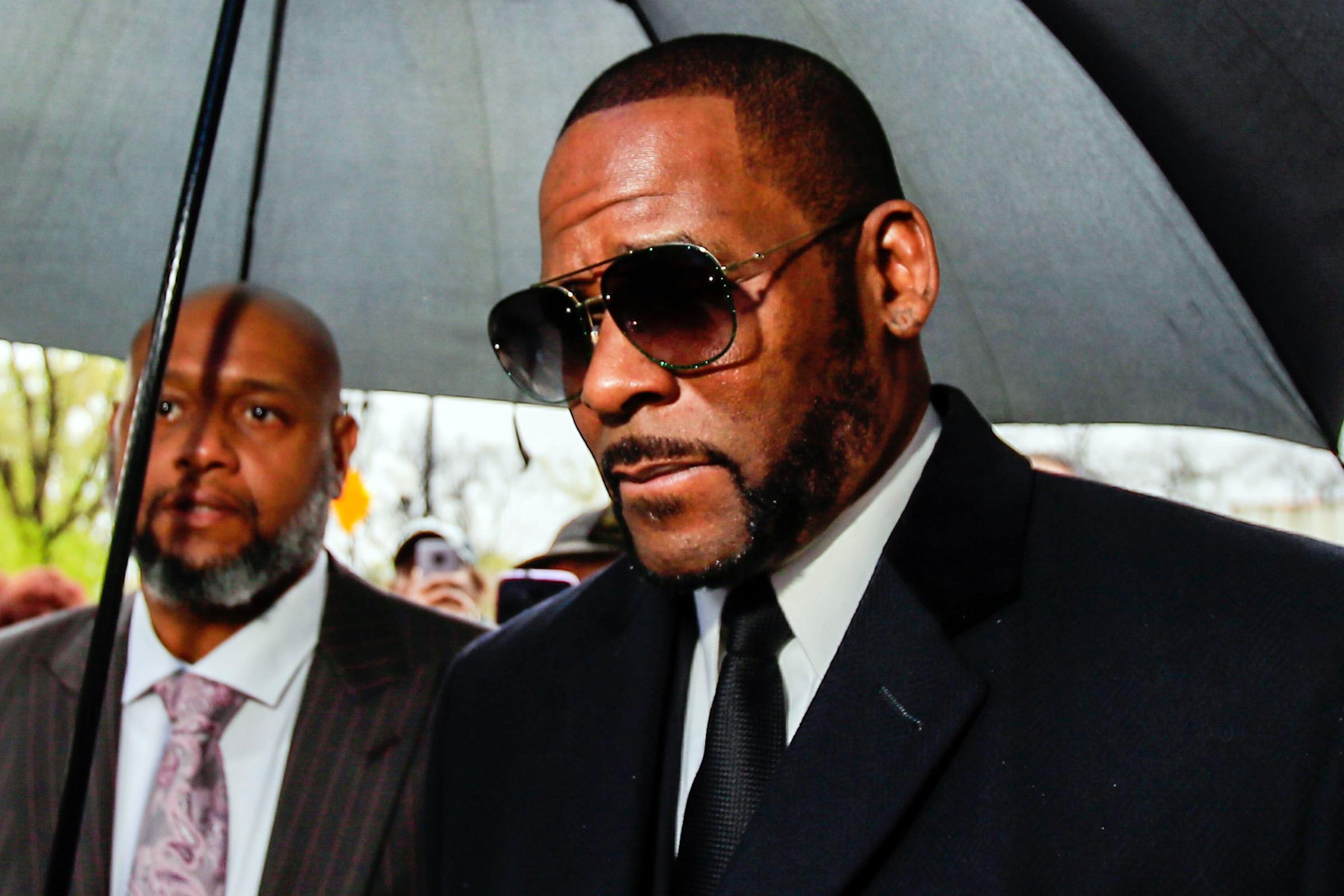 R. Kelly enfrenta mais 11 acusações de crimes sexuais