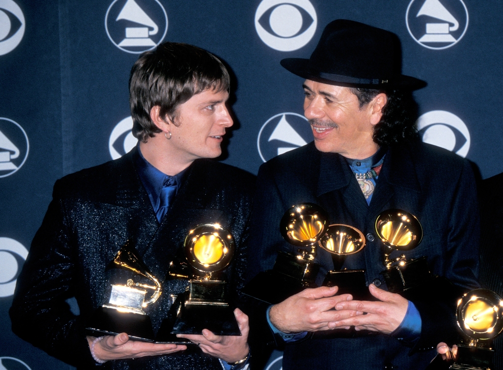 LOS ANGELES - FEBRUARY 23: Musician Rob Thomas of Matchbox Twenty and musician Carlos Santana attend the 42nd Annual Grammy Awards on February 23, 2000 at the Staples Center in Los Angeles, California. (Photo by Ron Galella, Ltd./Ron Galella Collection via Getty Images)