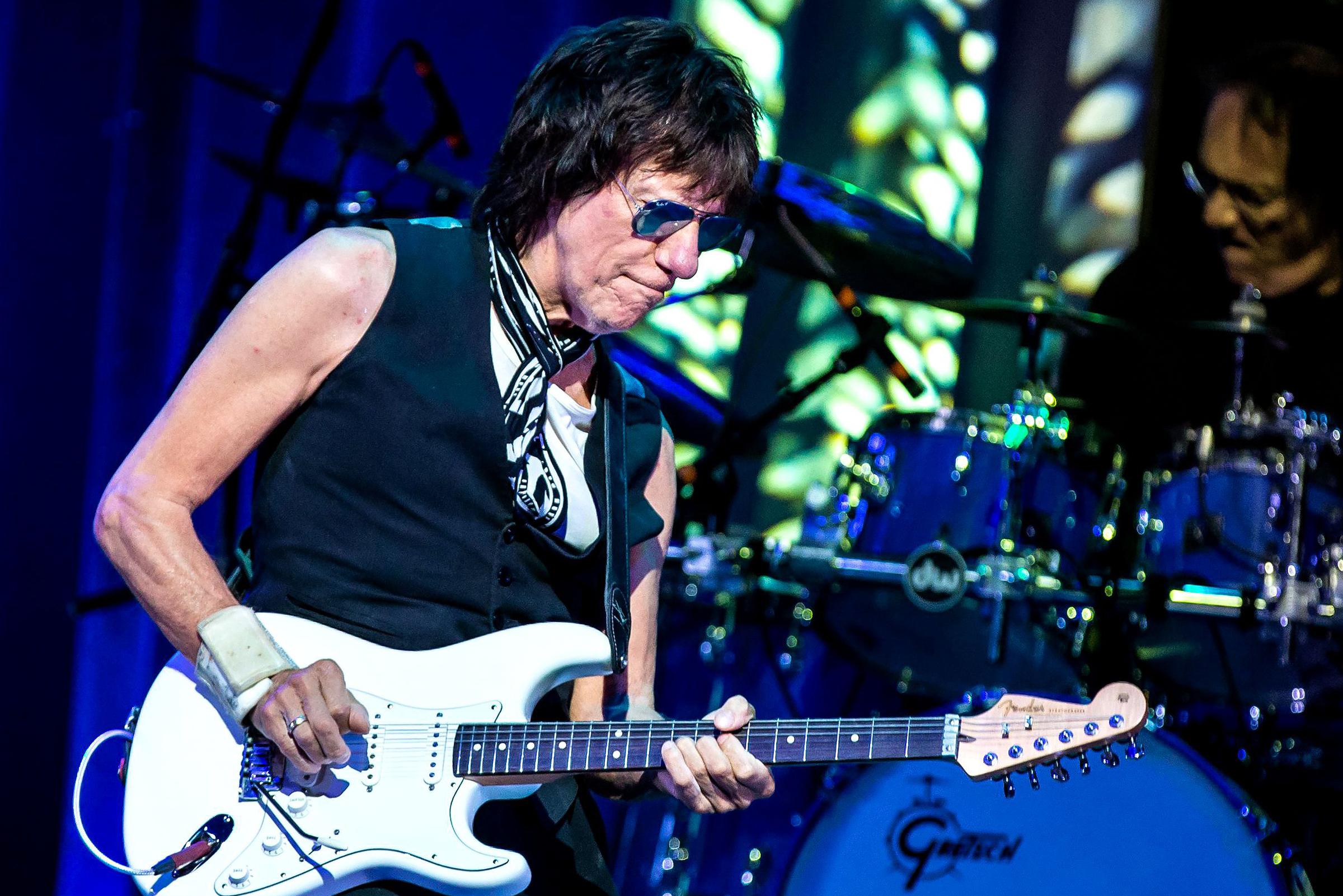Jeff Beck Plots Short Fall U.S. Tour Around Clapton, Rod Stewart Gigs