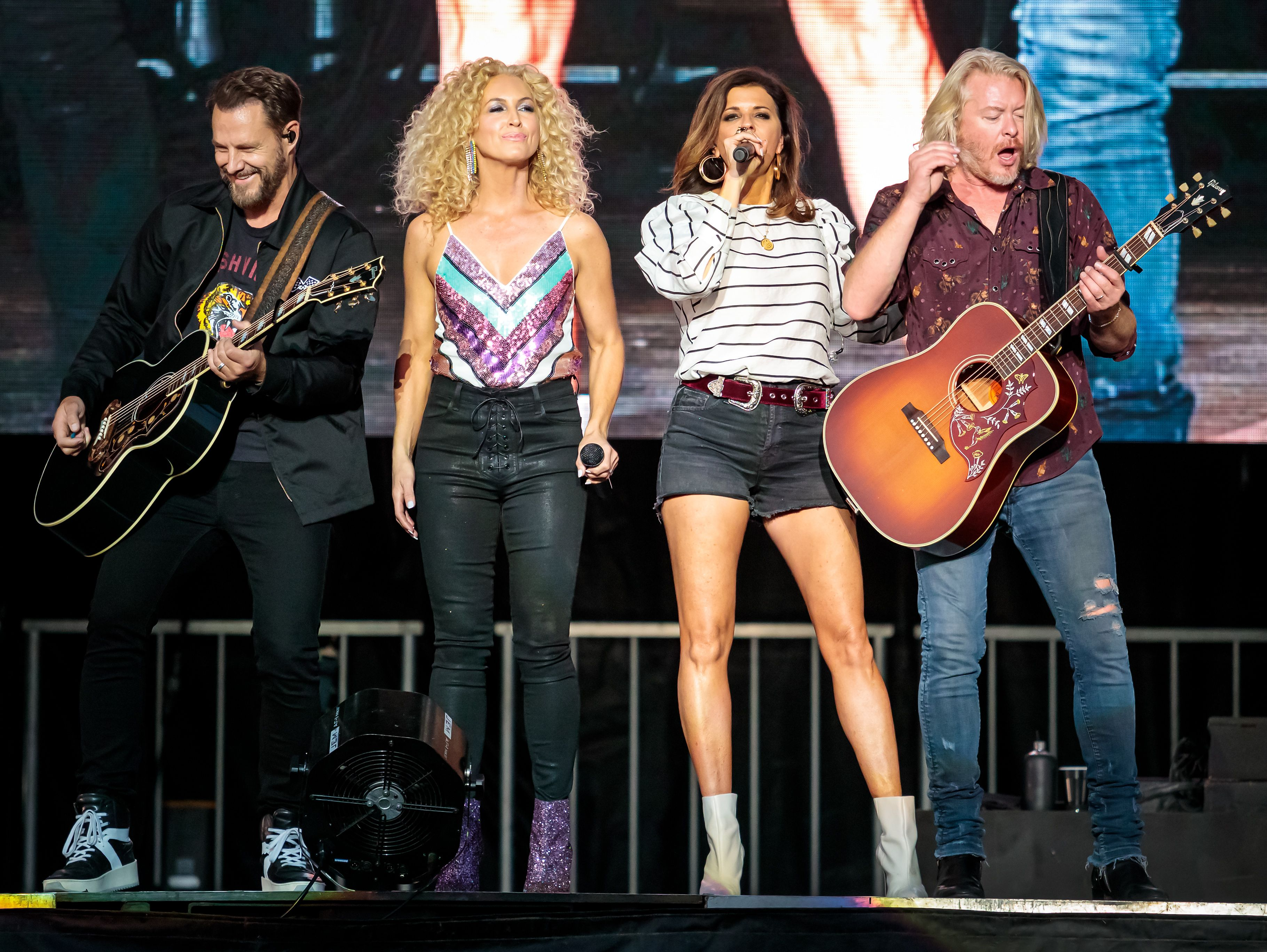 Cmt Music Awards 2019 How To Watch Who S Playing Rolling Stone