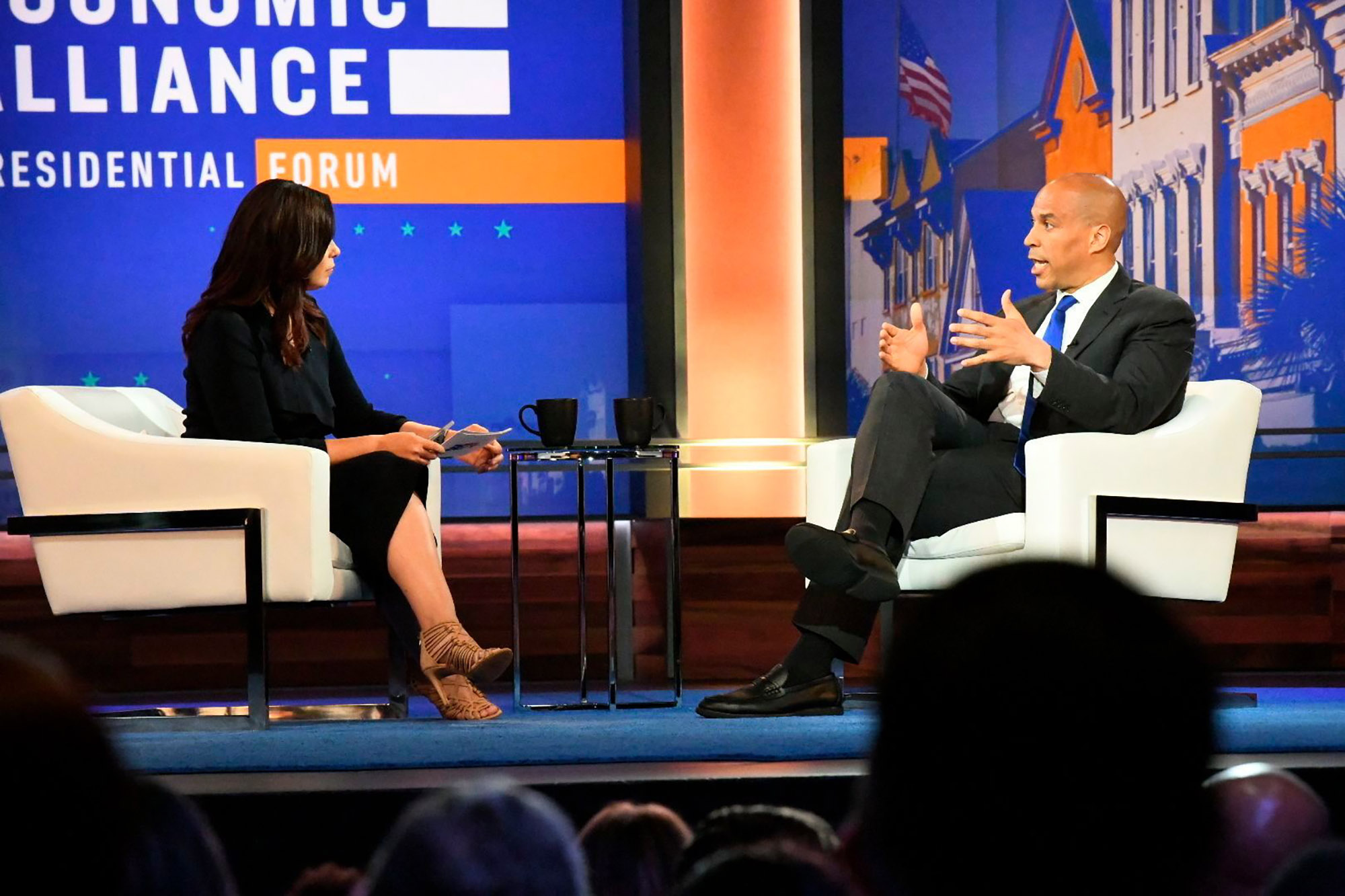 Democratic Candidates Focus on Racial Wealth Gap at Economic Forum