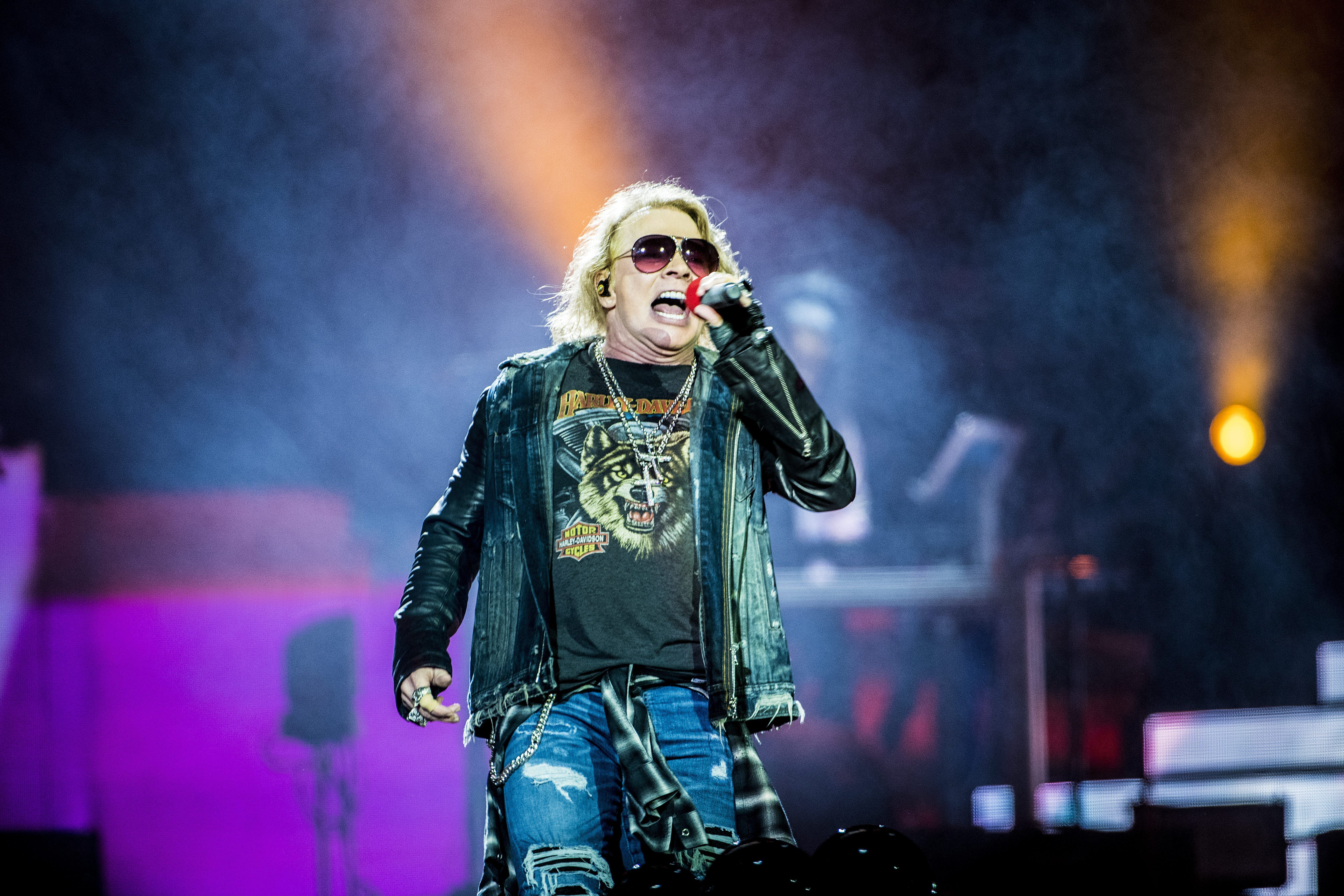Guns N' Roses Extend U.S. 'Not in This Lifetime' Tour