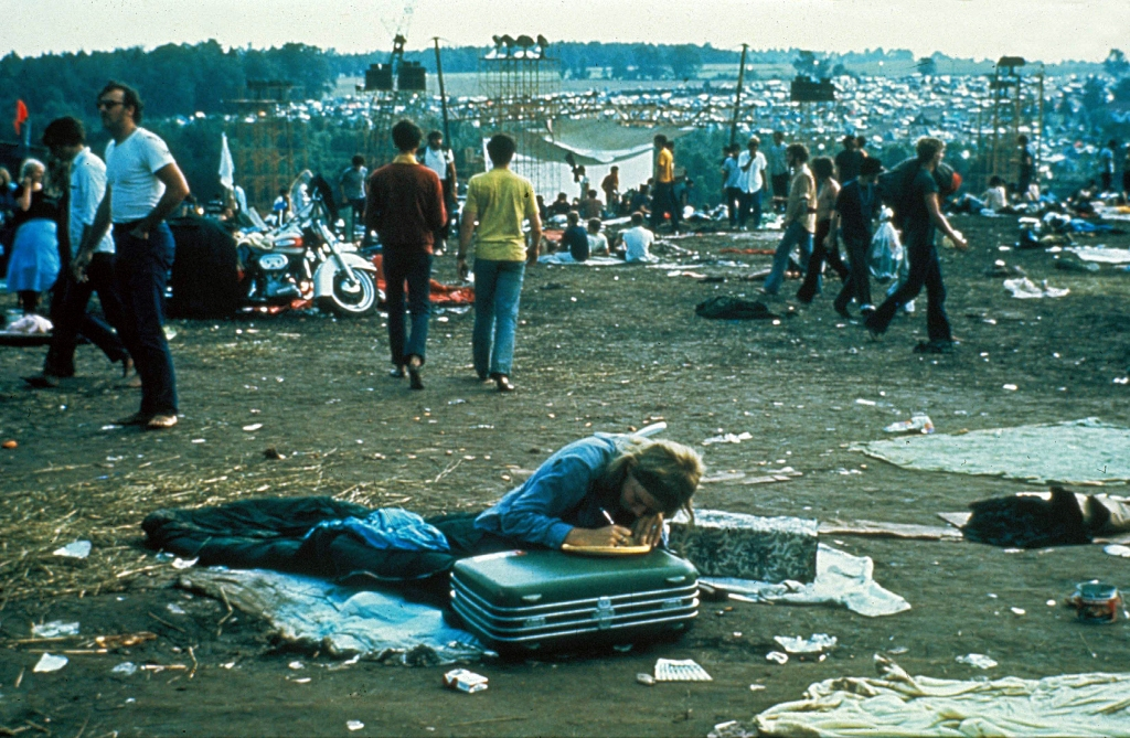 Editorial use only. No book cover usage.Mandatory Credit: Photo by Moviestore/Shutterstock (1637692a) Woodstock Film and Television
