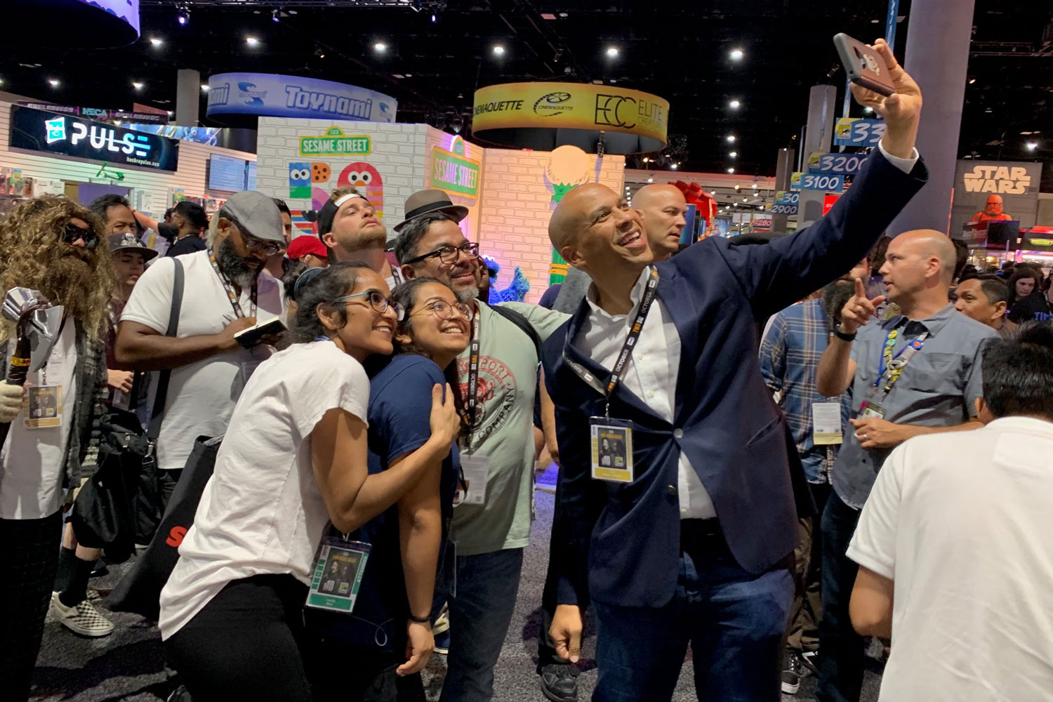New Jersey Comic Con 2020 Cory Booker Talks Trump, Fandom and 2020 at Comic Con – Rolling Stone