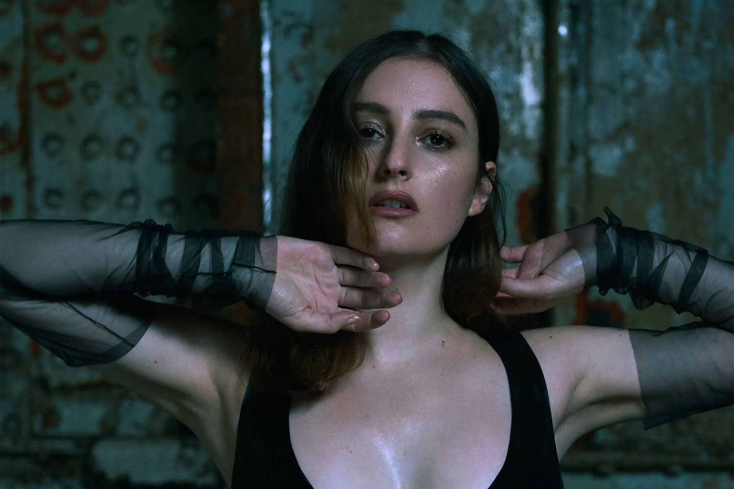 "Review: Banks Doubles Down On Her Emo Goth-Pop with ""III"""