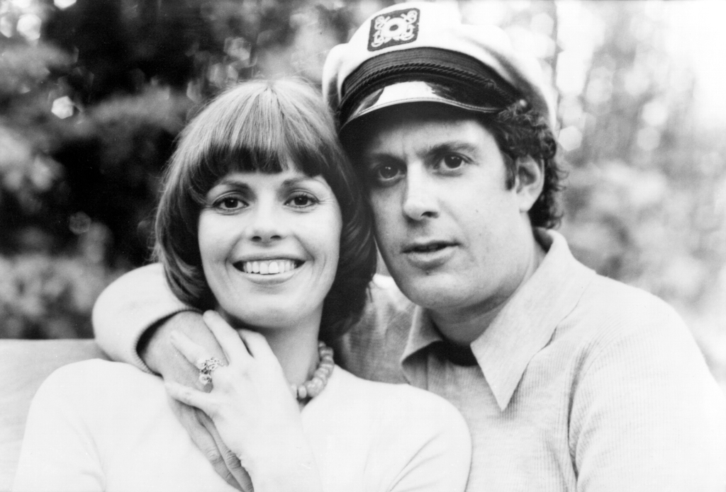 """Daryl Dragon and his wife Toni Tennille of the group """"Captain & Tennille""""."""