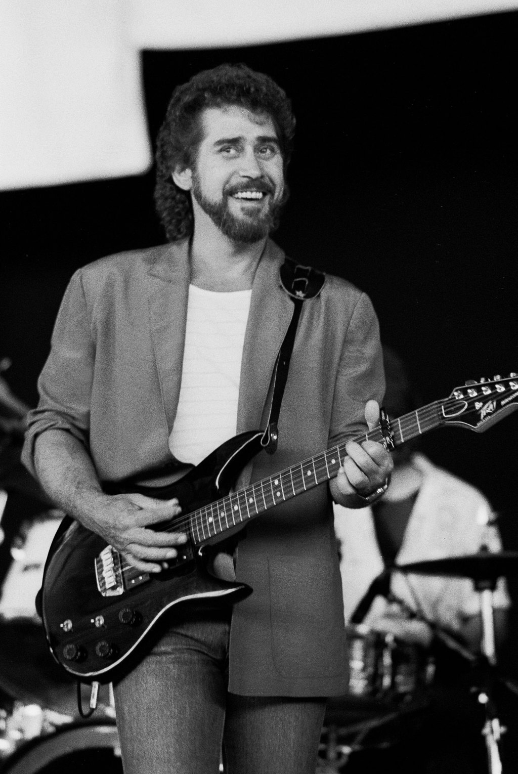 American country music singer Earl Thomas Conley performs at the Poplar Creek Music Theater in Hoffman Estates, Illinois, May 26, 1985.
