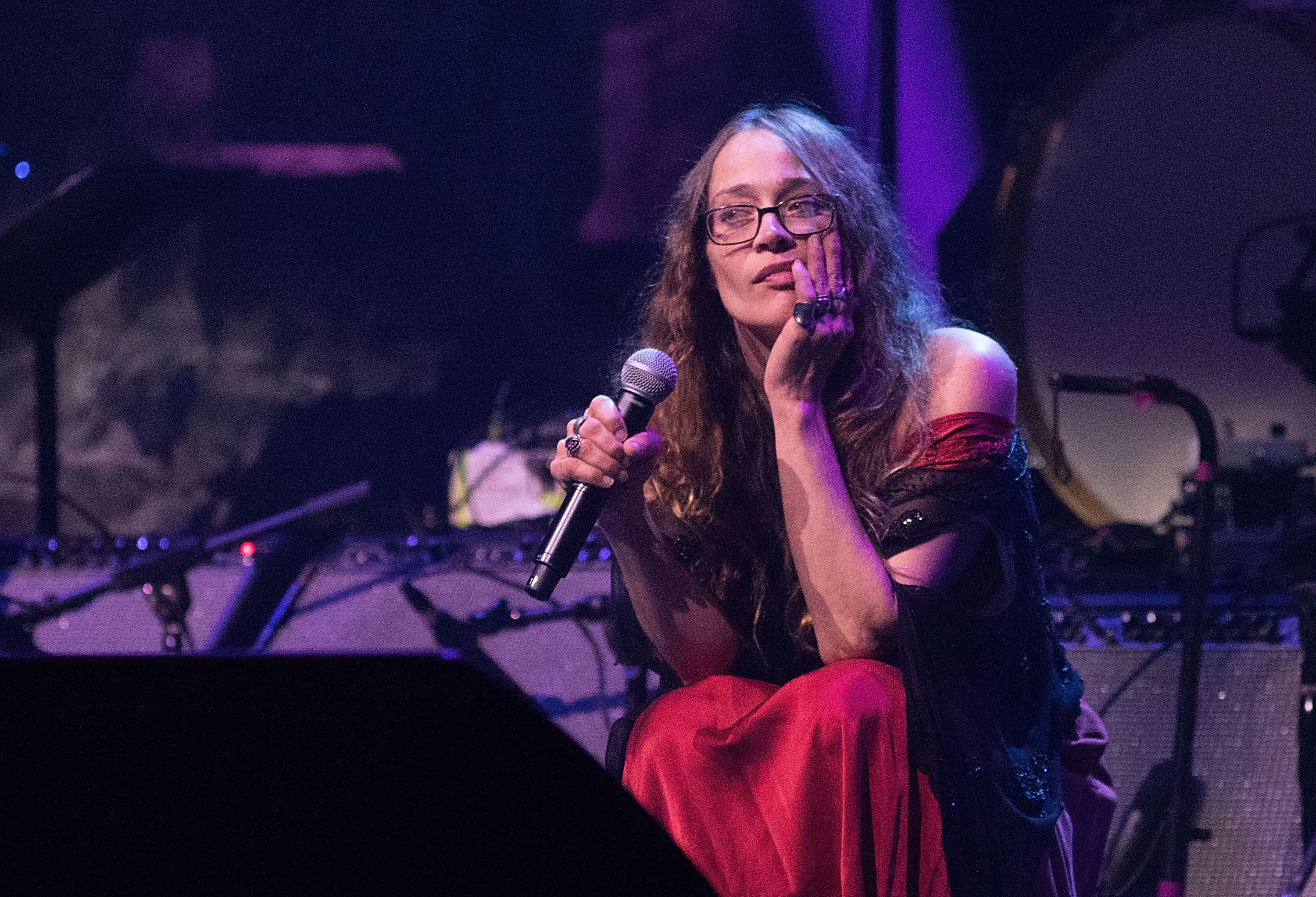Fiona Apple Pledges Two Years of 'Criminal' Royalties to Refugees