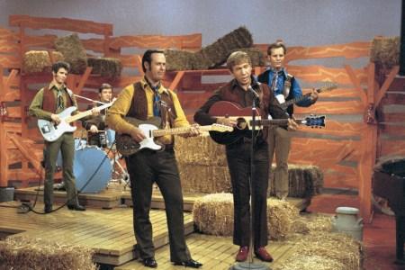 Hear Rare Buck Owens Live Performance From 'Bakersfield Sound' Box Set