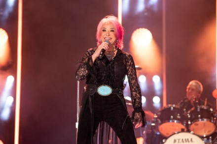 "Tanya Tucker Tour 2020 Tanya Tucker Announces 'While I'm Livin"" Album Release Shows"