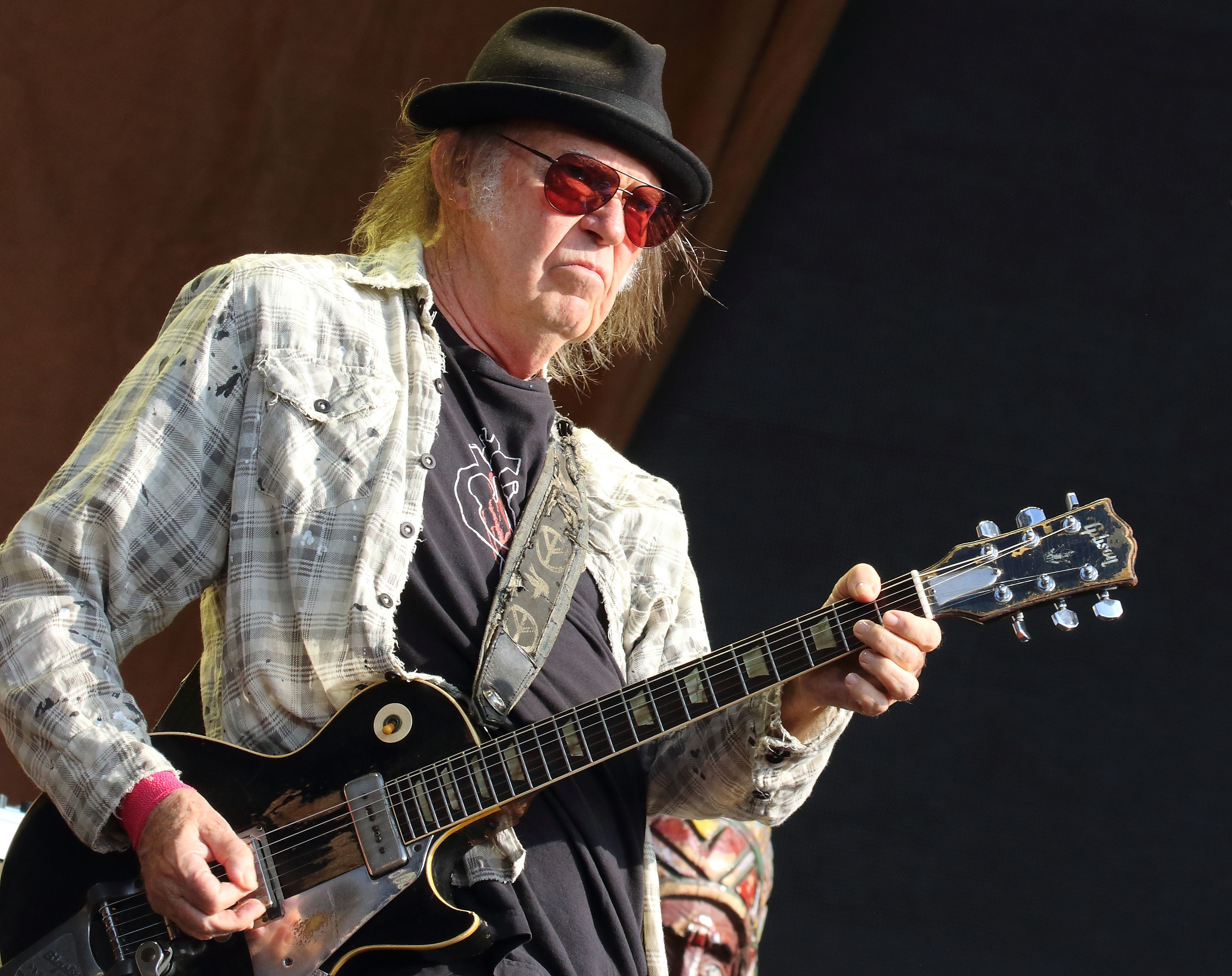 Hear Neil Young and Crazy Horse's New Song 'Milky Way