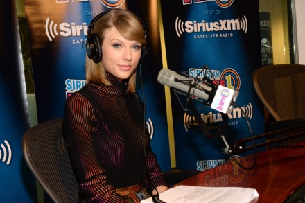Taylor Swift Will Perform 'Lover' Songs, Host Q&A Session on