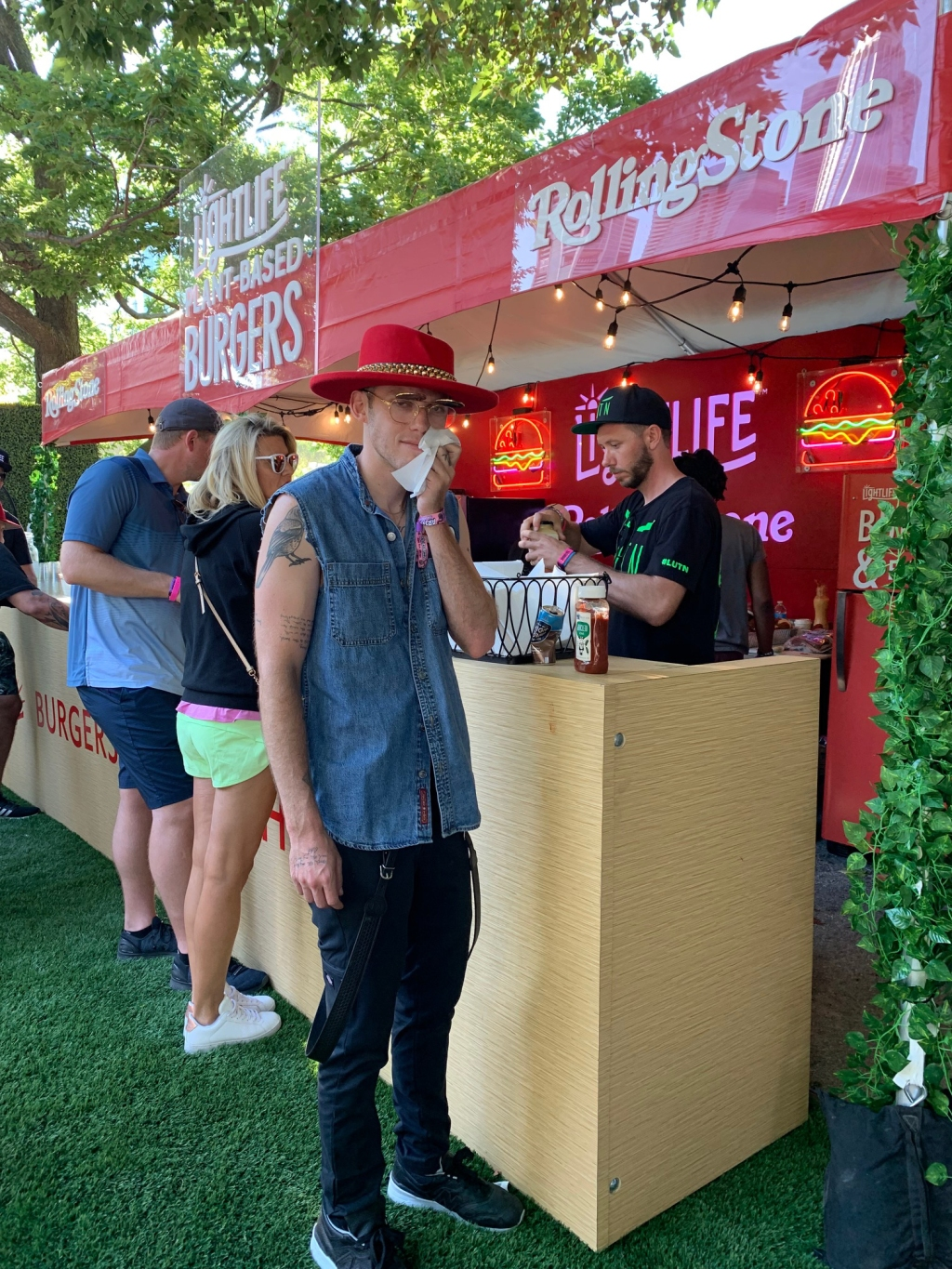 Singer Harry Hudson stops by the Lightlife Lounge for a quick bite. Paid partnership with Lightlife Foods.