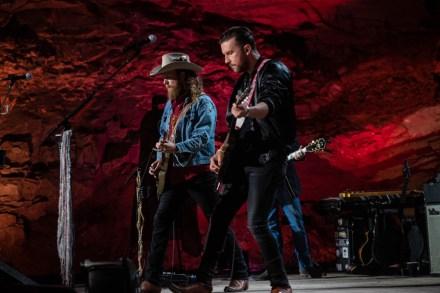 'Bluegrass Underground' Slates Brothers Osborne, Amanda Shires for New Season