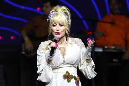 the best attitude 490f8 c6b97 Dolly Parton's America' Podcast Coming in Fall 2019 ...