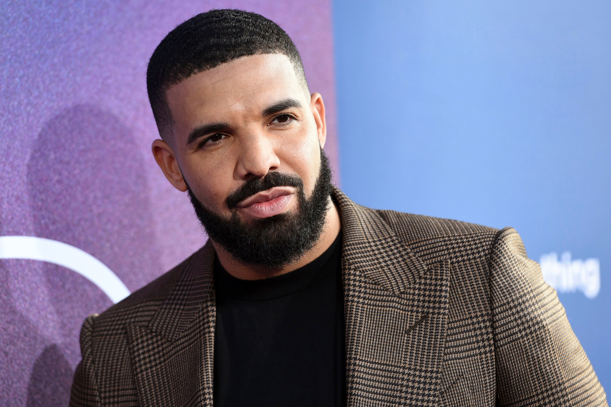 RS Charts: Drake's 'Care Package' Is Number One on Top 200 – Rolling