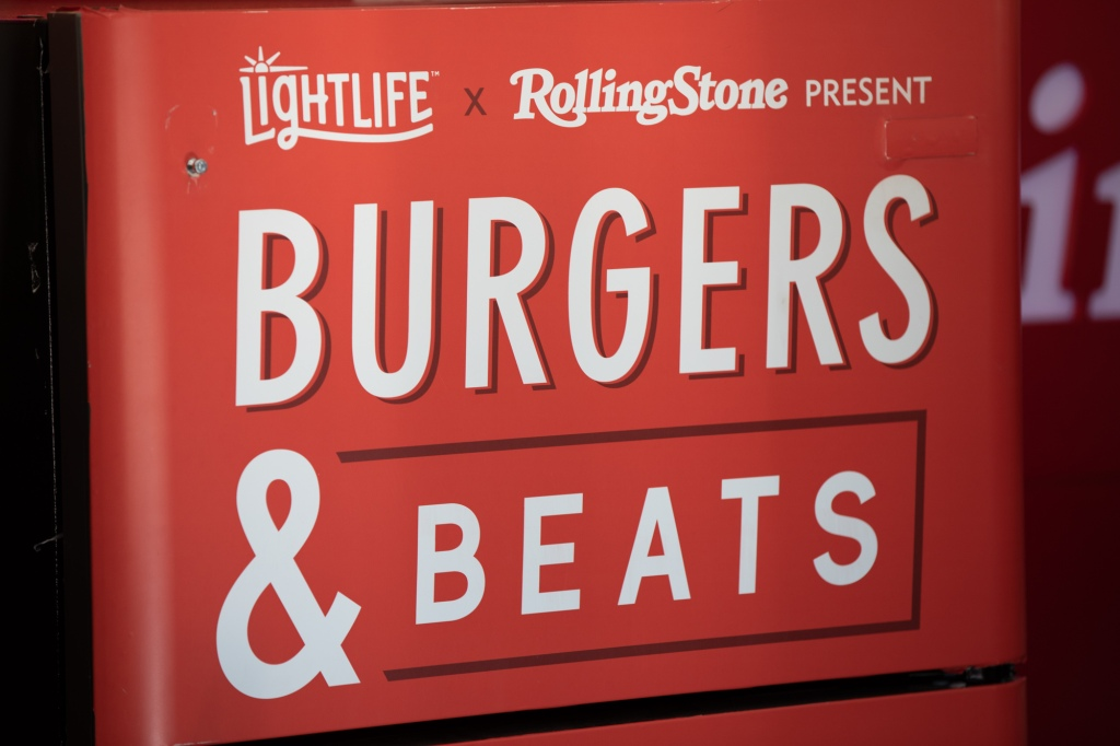 Lightlife and Rolling Stone took over the Artist Village to share plant-based burgers with attendees all weekend long. Paid partnership with Lightlife Foods.