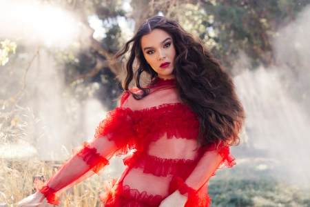 Hear Hailee Steinfeld Reflect on Mortality in 'Afterlife (Dickinson)'