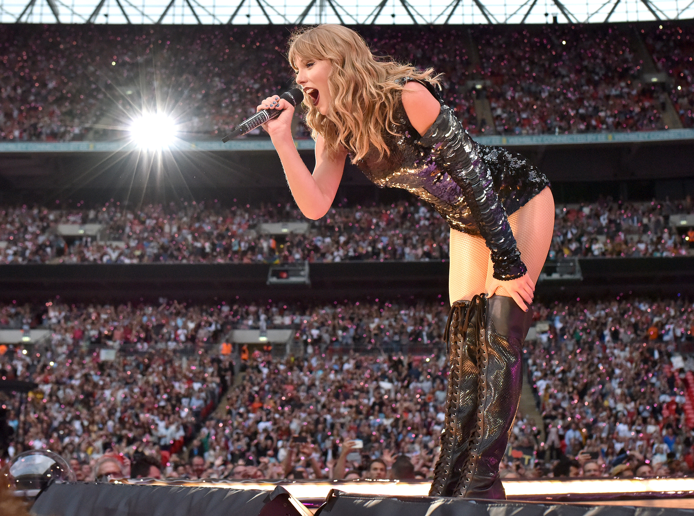 LONDON, ENGLAND - JUNE 23: Taylor Swift performs on stage during the reputation Stadium Tour at Wembley Stadium on June 23, 2018 in London, England. (Photo by Gareth Cattermole/TAS18/Getty Images for TAS)