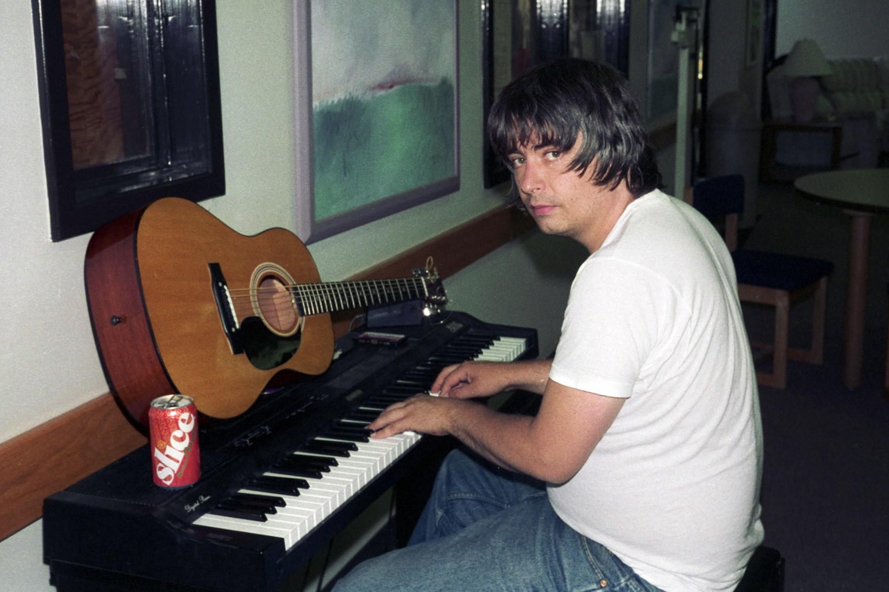Daniel Johnston, Cult Singer-Songwriter, Dead at 58 - Rolling Stone