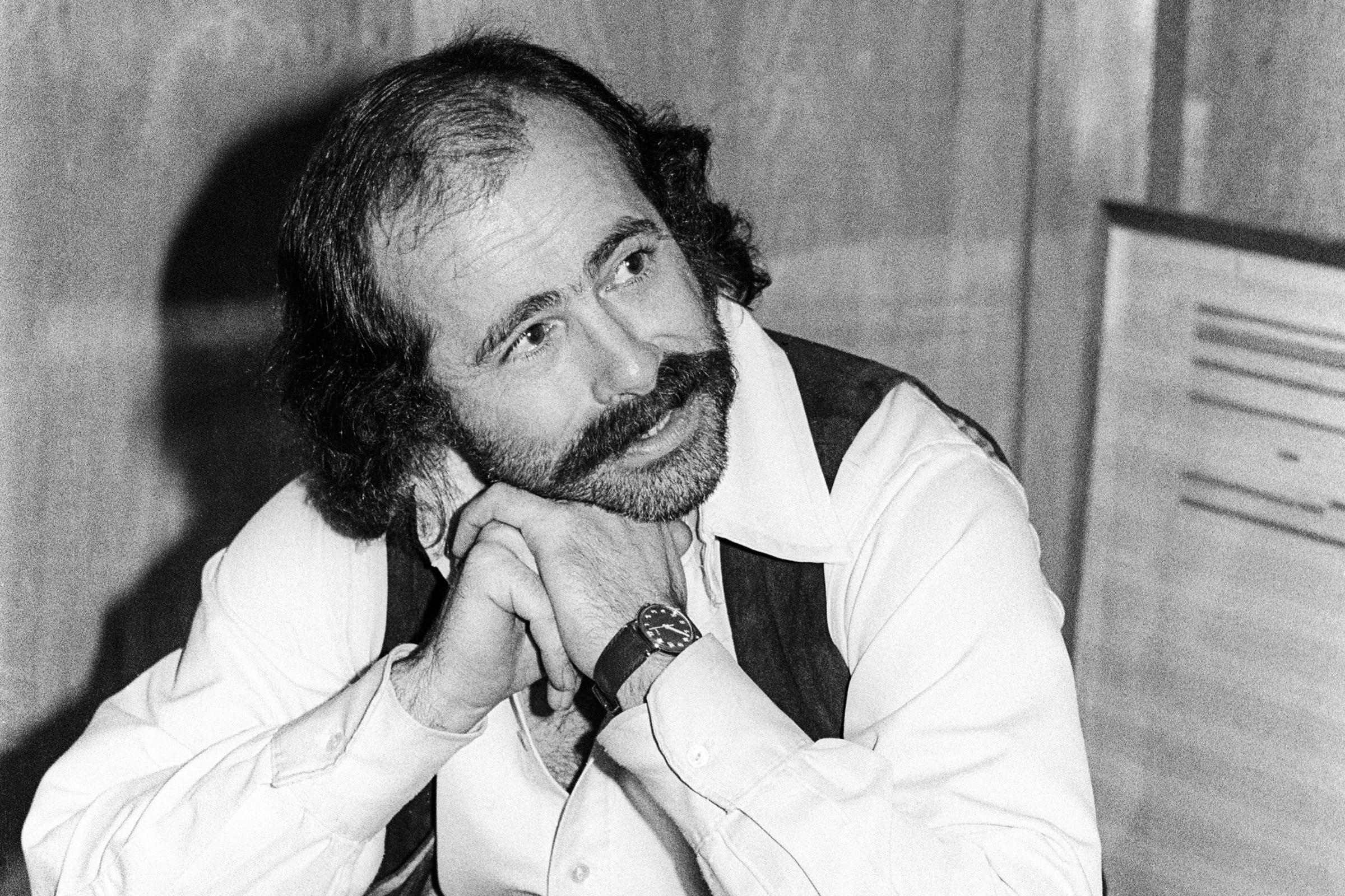 Robert Hunter, Grateful Dead Collaborator and Lyricist, Dead at 78