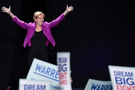 Elizabeth Warren Surging in Iowa, Leads in Key Poll for First Time