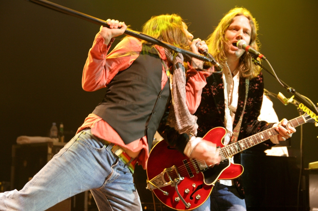 Chris Robinson and Rich Robinson in London, March 2006. The brothers reunited in 2005 after a three-year hiatus.
