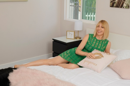Q&A: Kim Gordon on the Upside of Airbnb and Being Cool, Not Cold