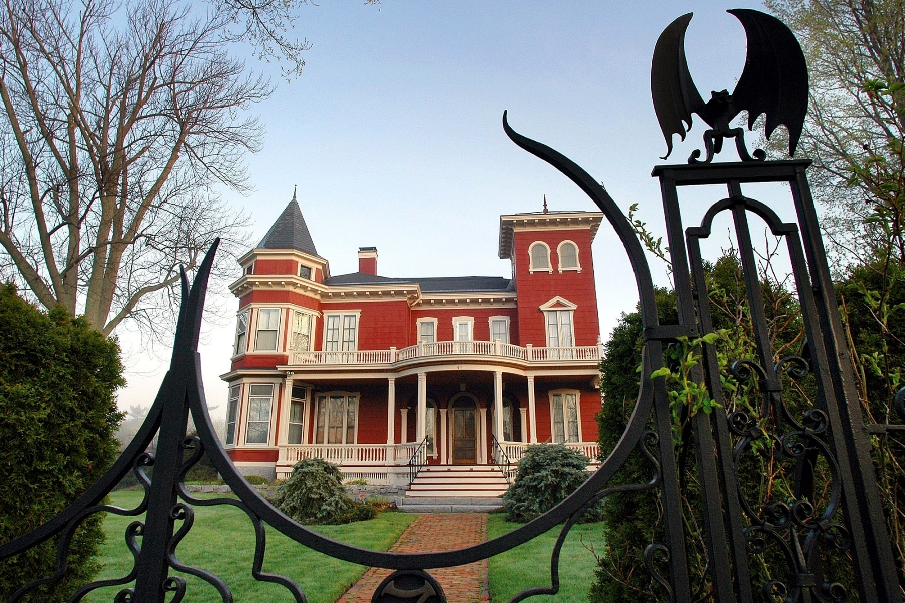 Stephen King S House To Become Archive And Writers Retreat