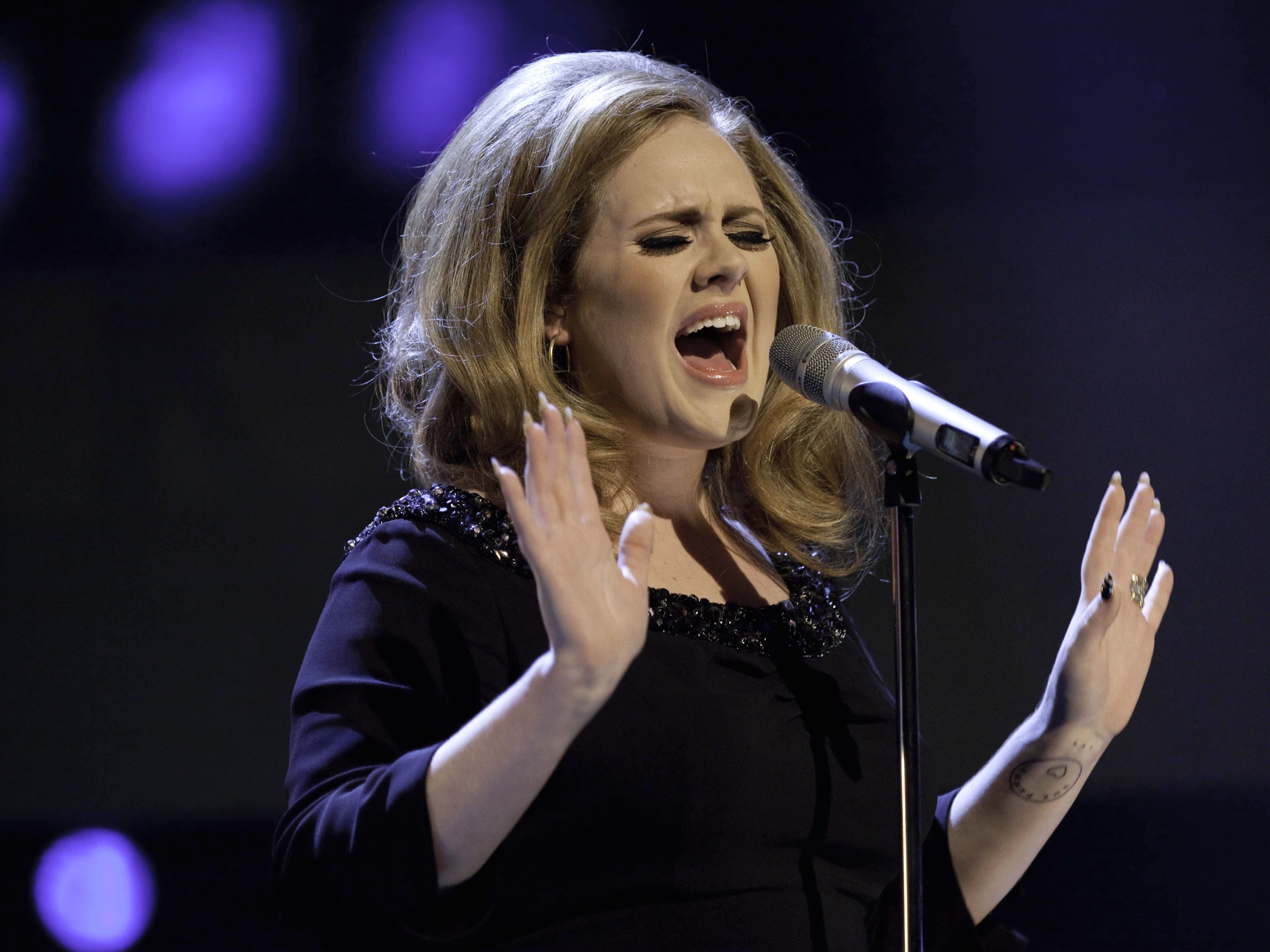 Adele Previews New Song 'Easy on Me' Ahead of Single's Release - Rolling Stone