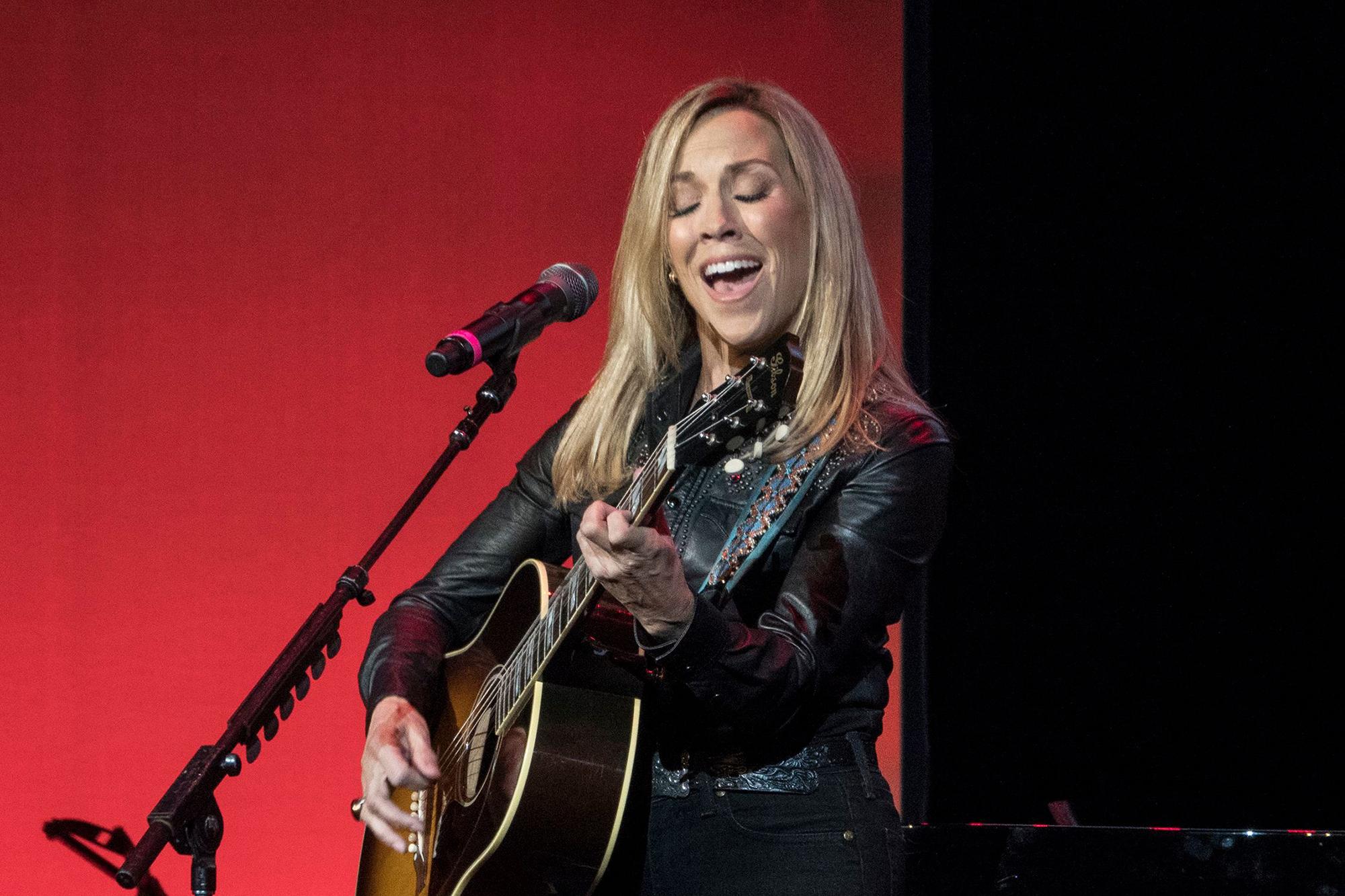 Jackson Browne Tour 2020.Lantern Tour Ii Sheryl Crow Amy Ray Join Nashville Lineup