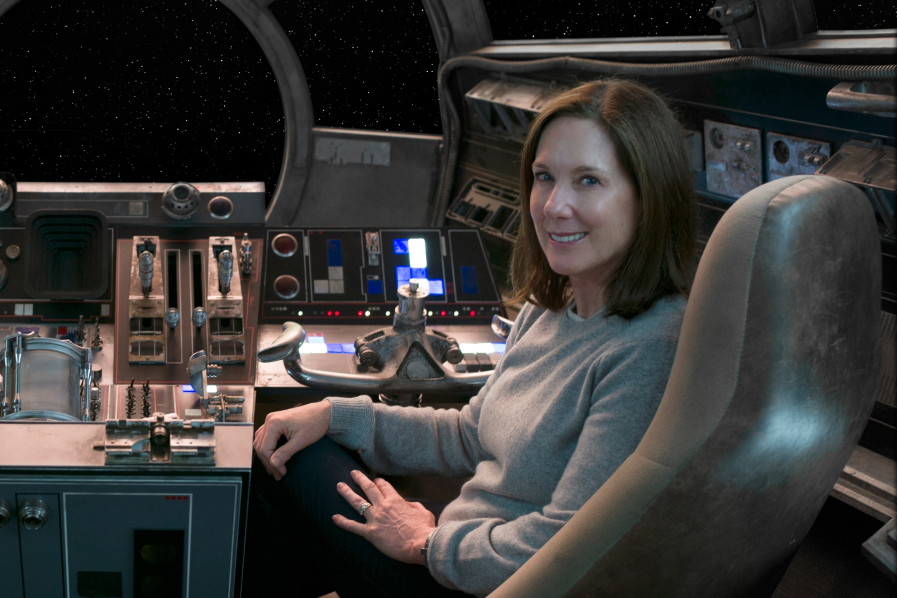 Star Wars: The Force Awakens..L to R: Director/Producer/Screenwriter J.J. Abrams and Producer Kathleen Kennedy..Ph: David James..©Lucasfilm 2015
