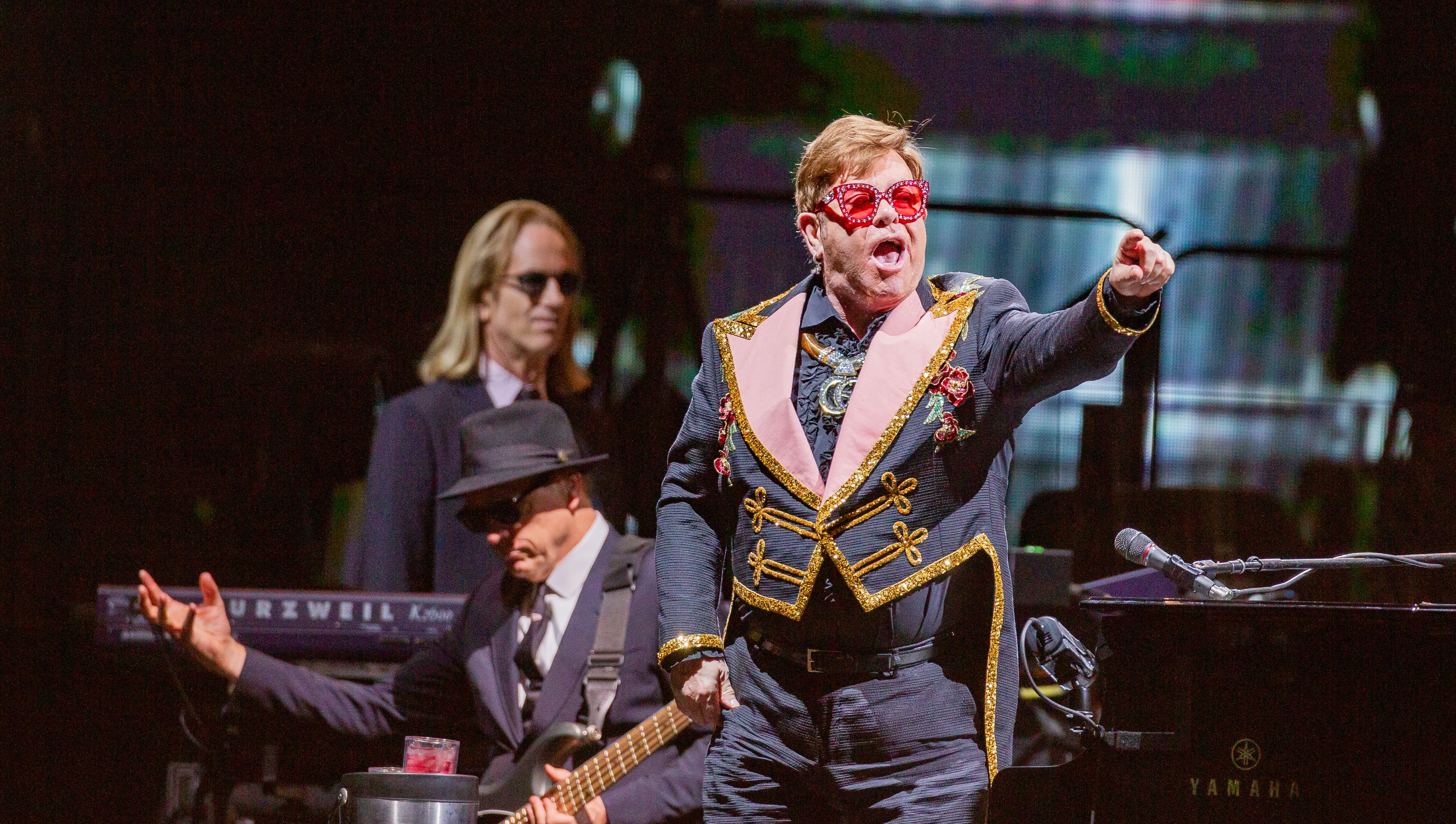 Elton John, Olivia Newton-John Named to Queen's New Year's Honours List - EpicNews