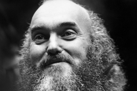 American spiritual teacher Baba Ram Dass (Richard Alpert) poses for a portrait at the First Unitarian Church on January 2, 1970 in San Francisco, California. (Photo by Robert Altman/Michael Ochs Archives/Getty Images)