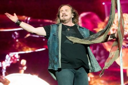 Lynyrd Skynyrd Tour 2020.Lynyrd Skynyrd Extend Farewell Tour Into 2020 Rolling Stone
