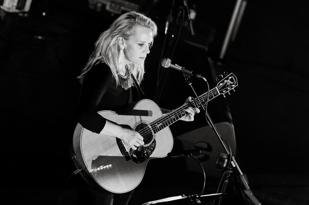 Mary Chapin Carpenter Pines for a Voice of Truth in 'Our Man Walter Cronkite' Video