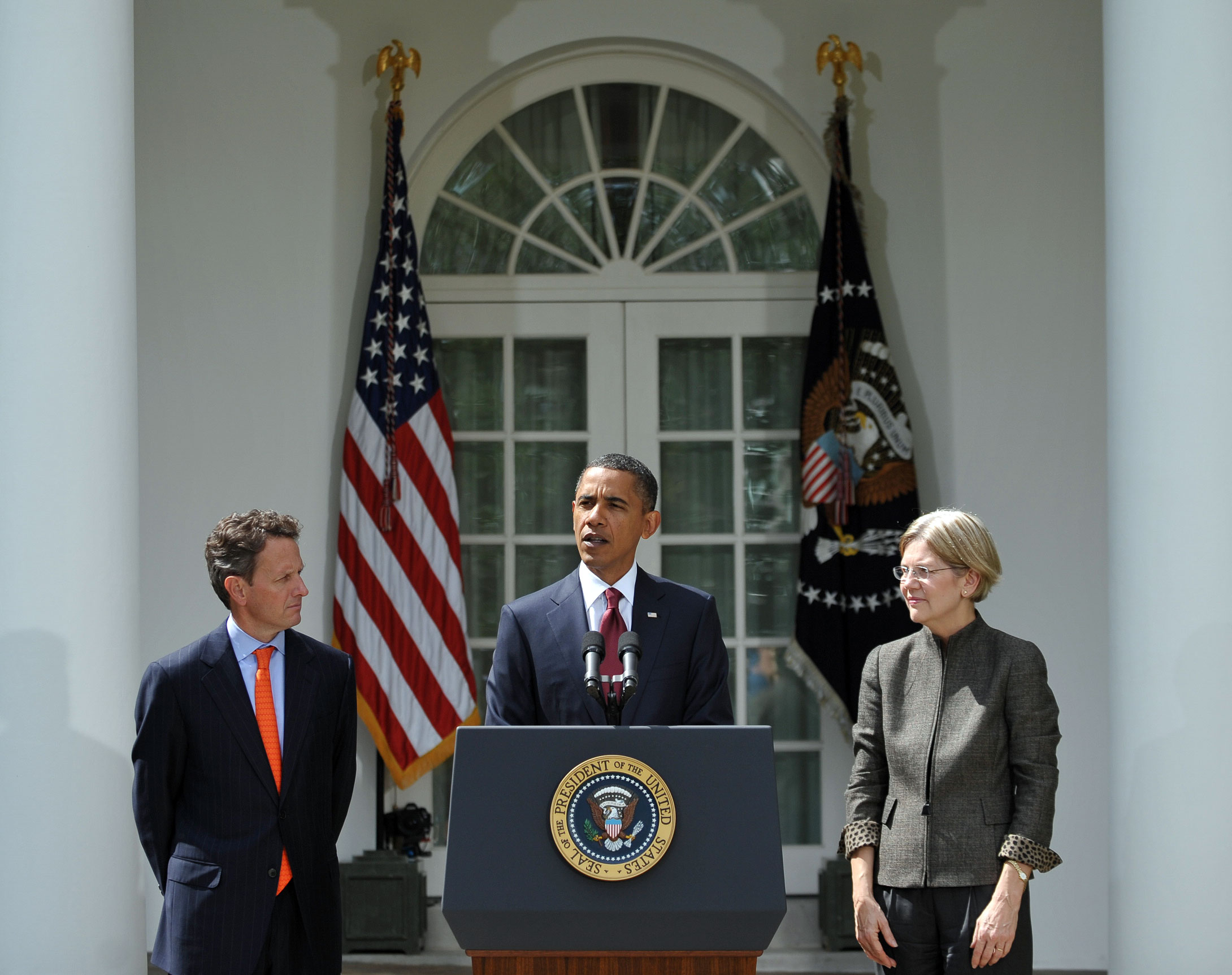 US President Barack Obama announces the appointment of Elizabeth Warren (R) as assistant to the president and special advisor to Treasury Secretary Timothy Geithner (L) September 17, 2010 in the Rose Garden of the White House in Washington, DC. Warren will help create the new Consumer Financial Protection Bureau. AFP PHOTO/Mandel NGAN (Photo credit should read MANDEL NGAN/AFP via Getty Images)