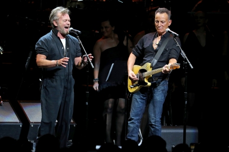 Bruce Springsteen, Sting, Eurythmics Revisit the 1980s at All-Star Rainforest Fund Benefit