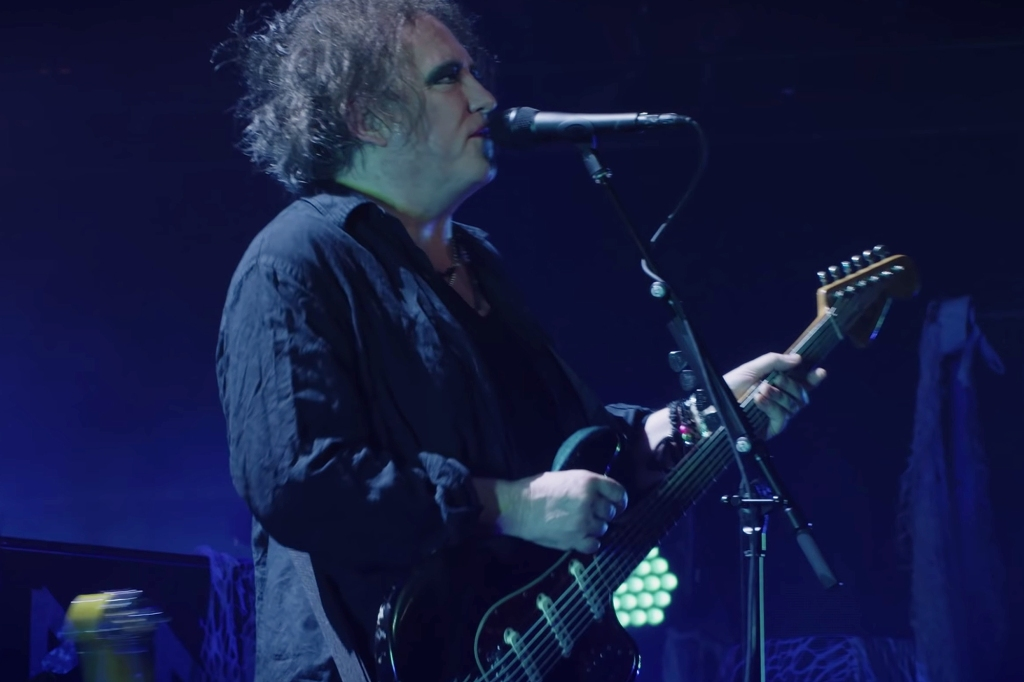 Watch The Cure Perform 'Pictures of You' at 'Disintegration' 30th Anniversary Show