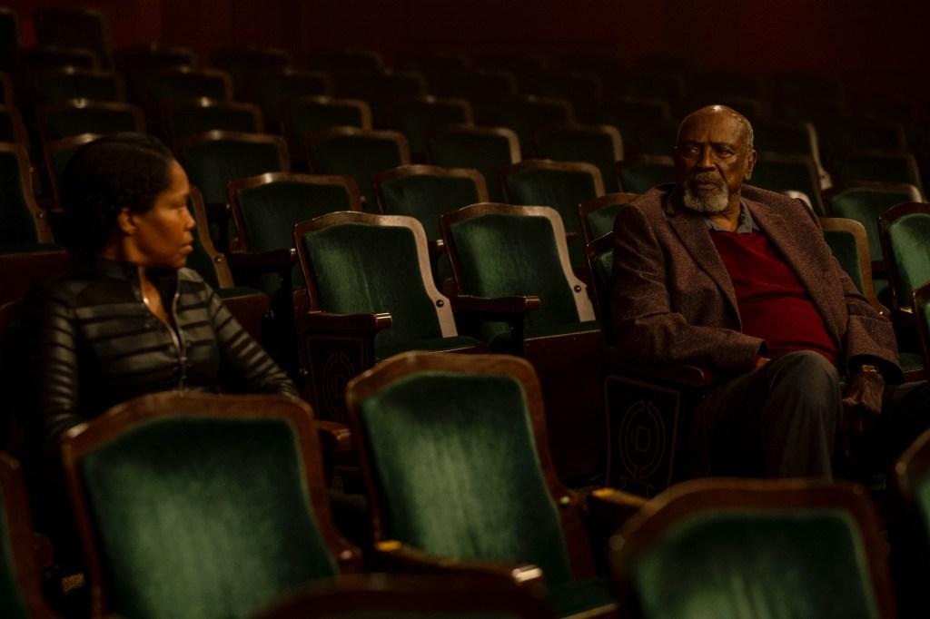 Regina King and Lou Gossett Jr. in 'Watchmen'