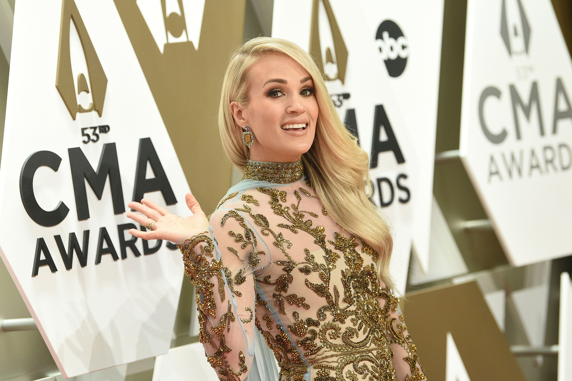 Carrie Underwood To Step Down As Cma Awards Host Rolling Stone