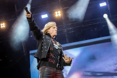 Def Leppard's Joe Elliott Wants to Bring a 'Mini-Festival' to Stadium Tour With Mötley Crüe